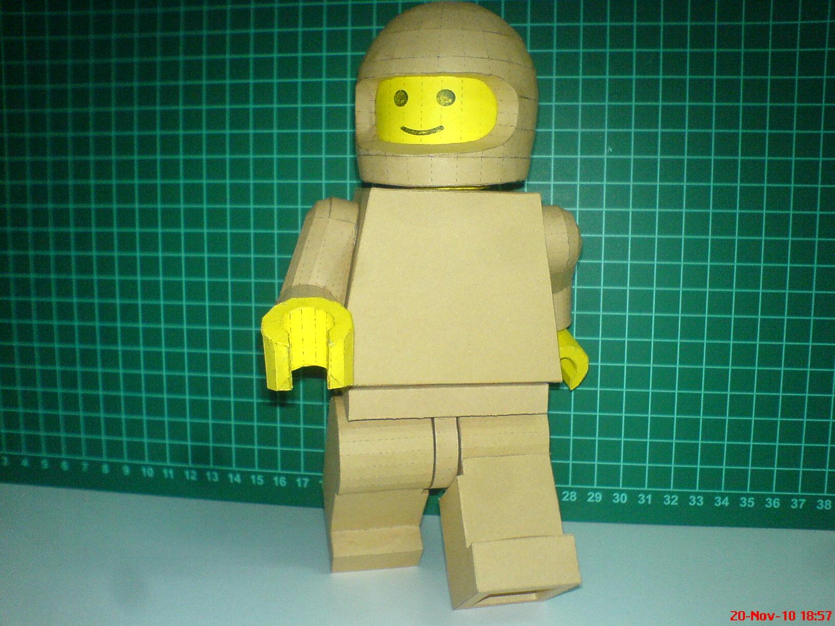 Как из бумаги сделать лего человечка